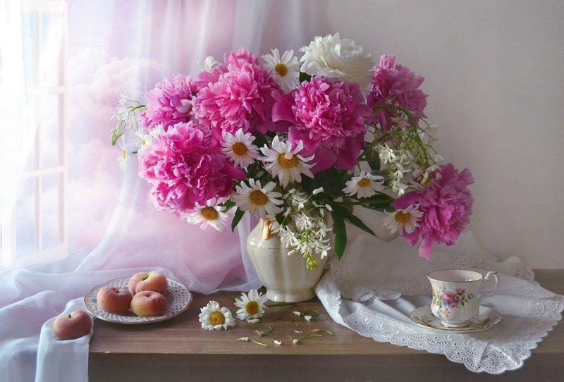 still life, натюрморт, цветы, фото натюрморт, пионы, настроение, лето, июнь, ромашки, фарфор, ...и ароматная безбрежность...photo preview