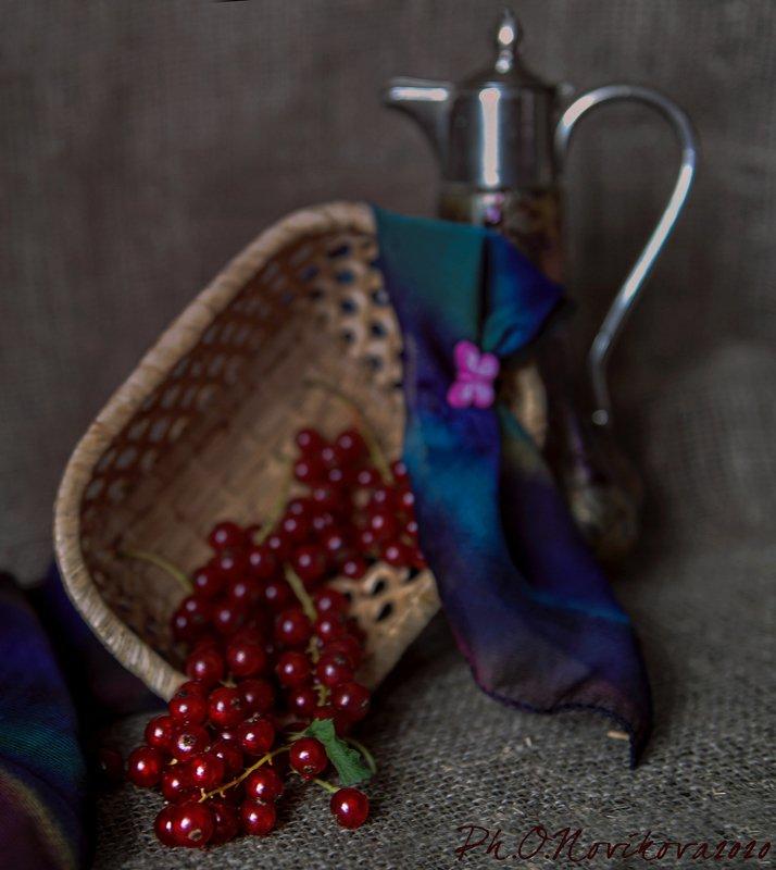 смородина,ягоды,кувшин,платок,корзинка ***photo preview