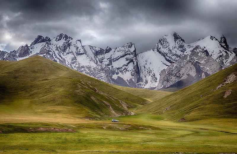 кыргызстан, горы Идиллия по-кыргызскиphoto preview