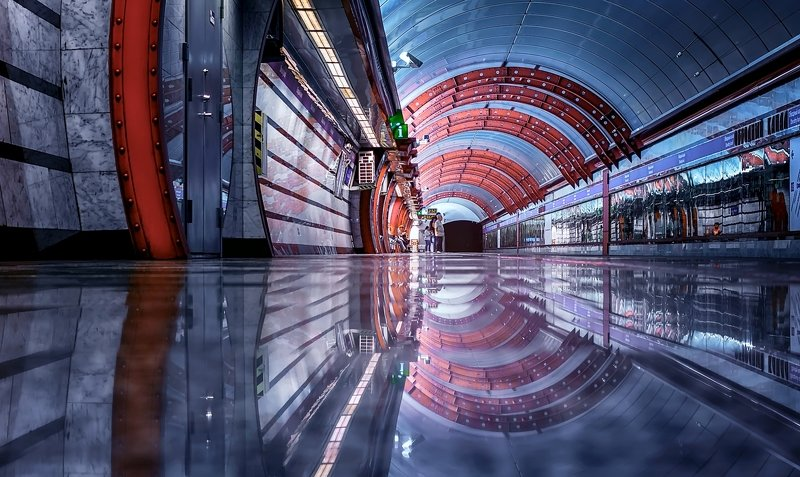 город,метро,станция,интерьер,архитектура,блеск,отражения Подземная геометрия.photo preview