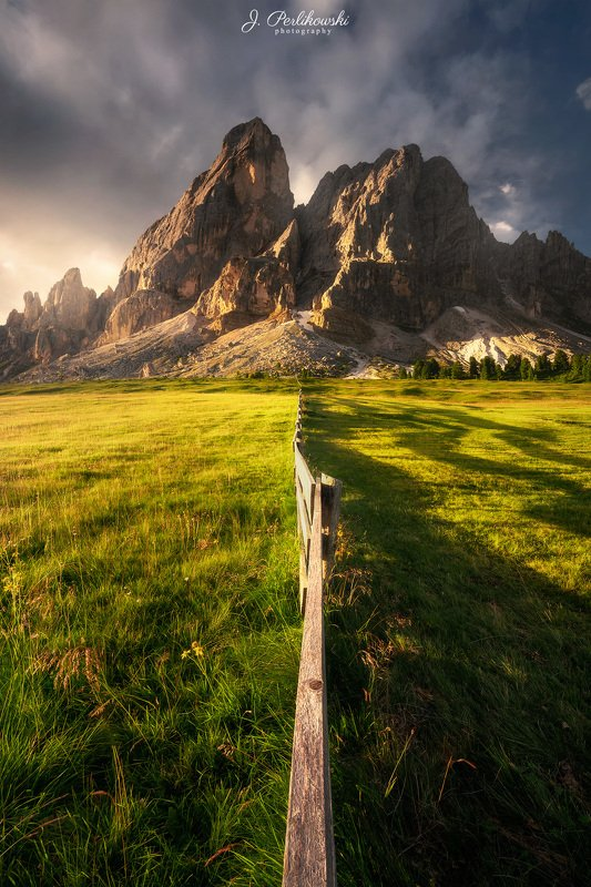 alps, mountains, sunrise, meadow, light, contrast, colours, Morning lightphoto preview