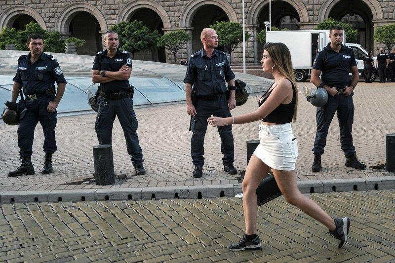 bw, bnw, street, portrait, 35mm, composition, чб, портрет, уличнаяфотография, композиция, xt3, fujifilm Anti-government protests (Bulgaria, Sofia 10.9.2020)photo preview