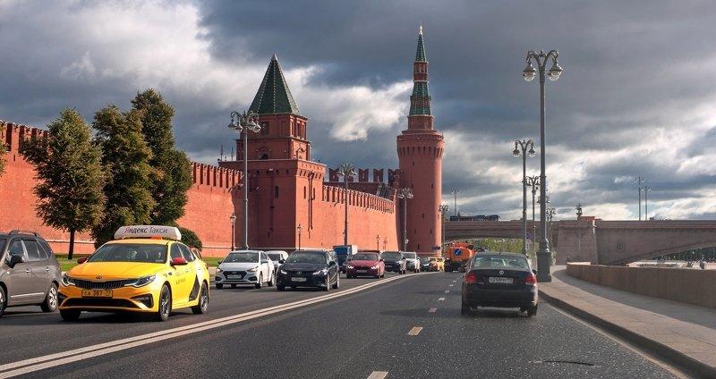 Вдоль Московского Кремляphoto preview