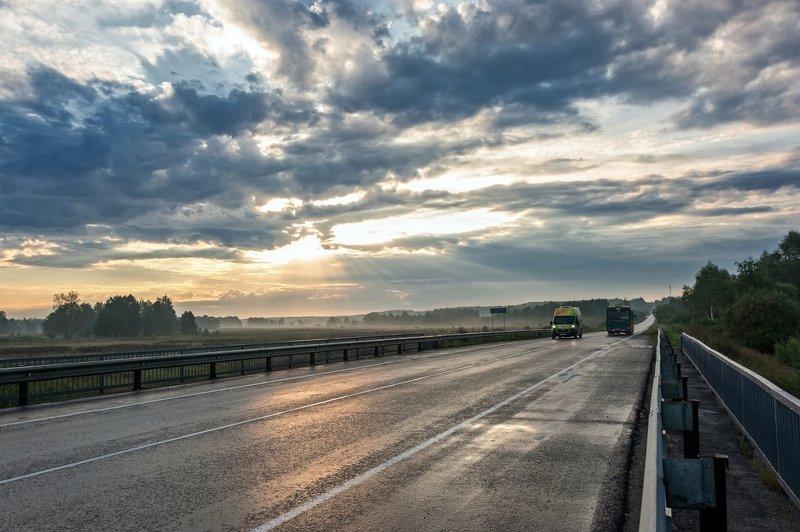 Утренняя дорожнаяphoto preview