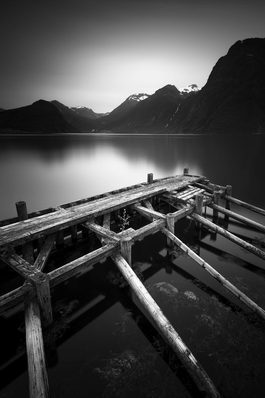norway,landscape,light,b&w photo preview