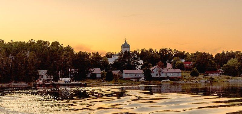 Кий-остров в Белом море на закате.photo preview