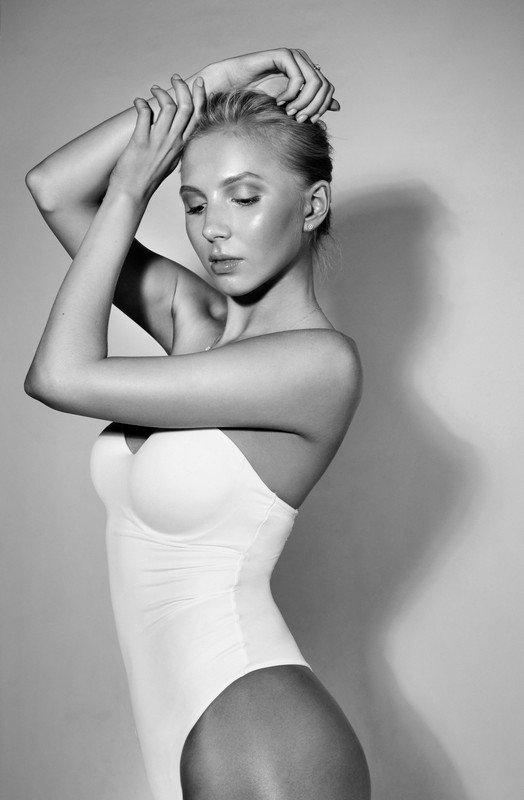 Анна в черно-белом.photo preview