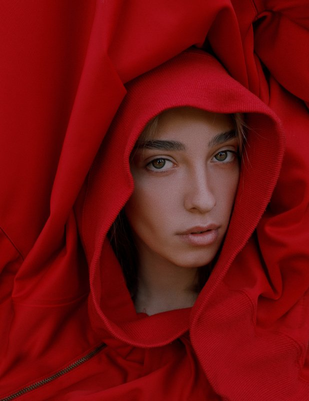 portrait, портрет, girl, portraiture, outdoor, red, ламповый, retouch, ретушь, цвет, cinematic,цветок, тёплый, fineart, beauty, sweet, warm, face Асяphoto preview