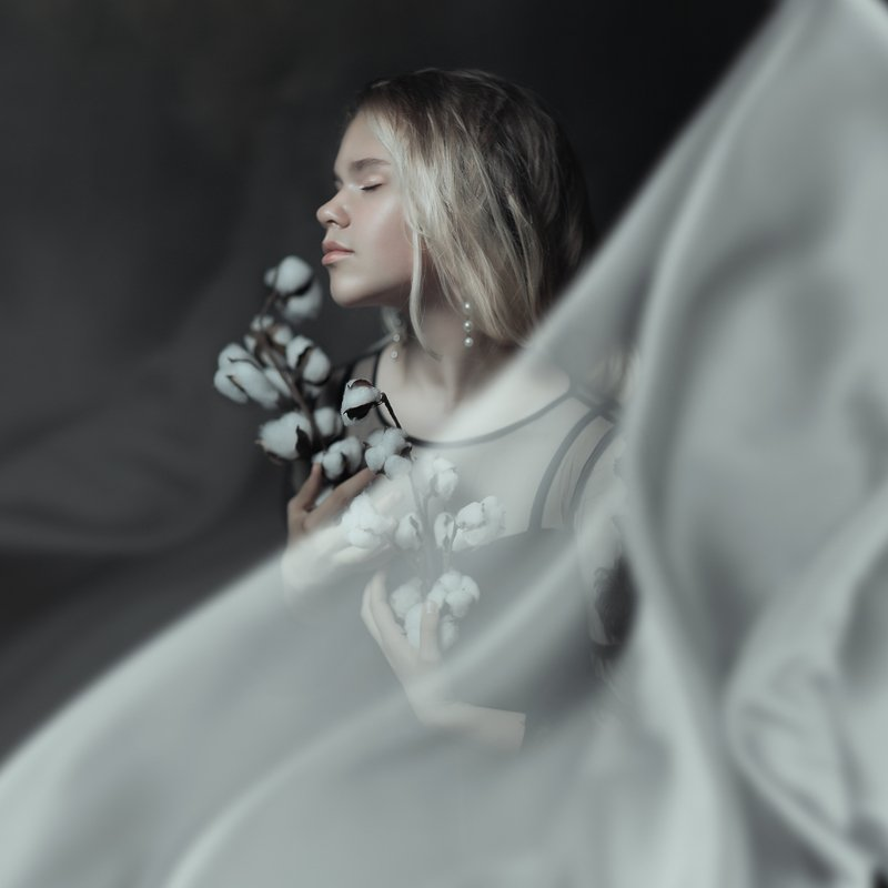 девочка девушка портрет кудри волосы girl portrait hair вуаль ткань ветер хлопок ветки цветы движение динамика Mariaphoto preview
