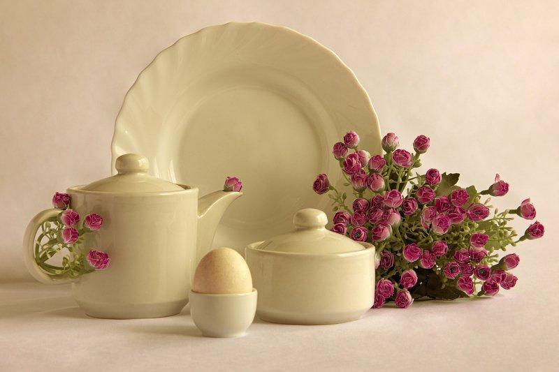 натюрморт, цветы, посуда, розовое, нежность, яйцо, керамика  Нежностьphoto preview
