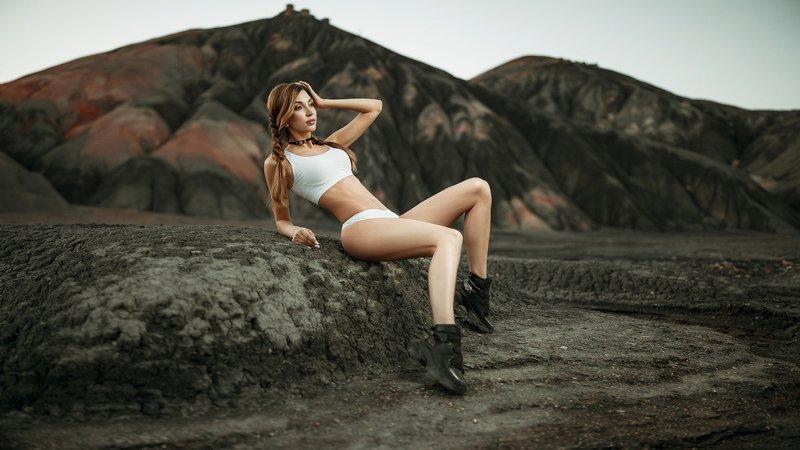 #womanportrait #models #girl #beauty #retauch #portrait #captureone #tamron #35mm Victoriaphoto preview
