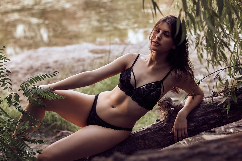 girl, model, models, glamour, sexy, sensual, lake, water, river, natural, outdoor,  photo preview