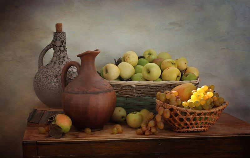 натюрморт, осень, кувшин, арбуз, яблоки, корзина, виноград Щедрая пораphoto preview
