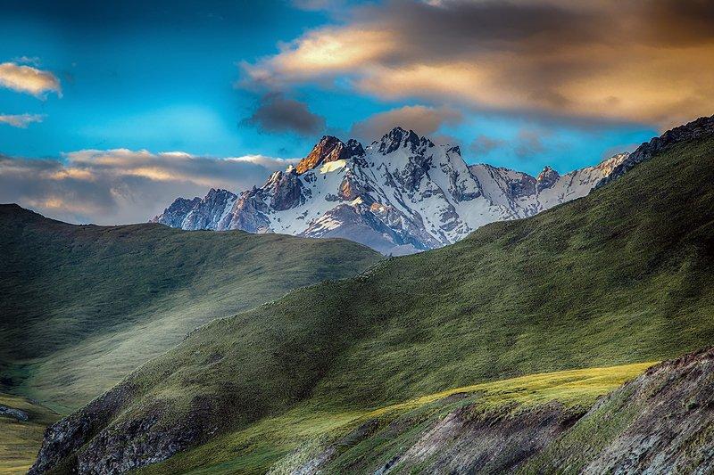 кыргызстан, горы Велюровое летоphoto preview