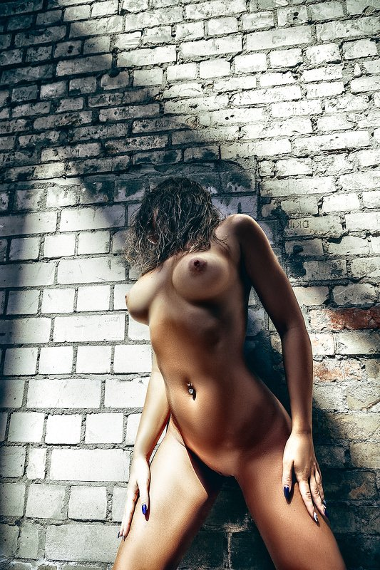 woman, portrait, nude, indoors, natural light Wall of Sinphoto preview