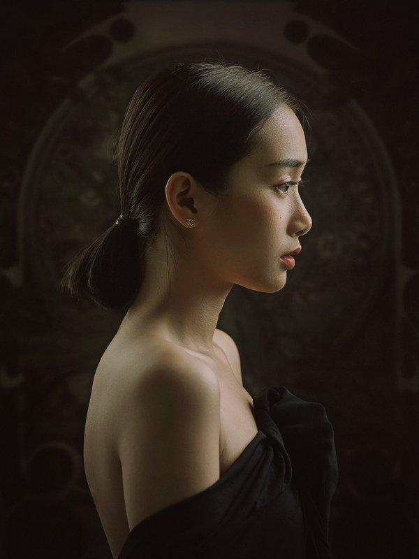portrait, female, woman, girl, asian, vietnam, vietnamese, young, face, beauty, glamour, studio, eyes, short hair, hairstyle. staged, classic, nouveau * * *photo preview