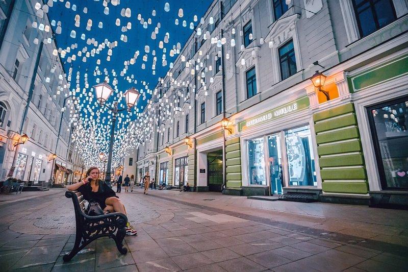 москва, вечер, столешников, фонари, девушка Столешниковphoto preview