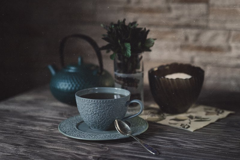 натюрморт, чайник, стол, мята, чашка, сахарница, ложка Чайphoto preview