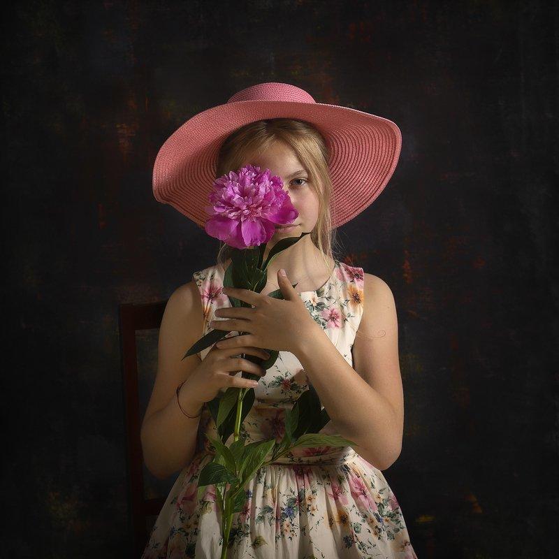 пионы детский портрет постановка художественная фотография Пионphoto preview